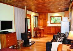 Waterfall Hideout Rainforest Retreat - the cosy cabin.JPG (448×310)