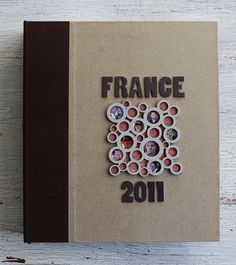 Her travel scrapbook is amazing! I will be using some of these ideas for our Munich trip in Dec. '12!- RRM