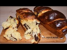 Cozonac pufos, reteta traditionala cu toate secretele | Gina Bradea (English Subtitles) - YouTube Romanian Desserts, Romanian Food, Sweets Recipes, My Recipes, Cookie Recipes, Pastry And Bakery, Pastry Cake, Brioche Recipe, Delicious Deserts