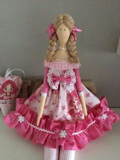 . Hobbies And Crafts, Diy And Crafts, Crafts For Kids, Doll Clothes Patterns, Doll Patterns, Doll Crafts, Sewing Crafts, Tilda Toy, Doll Painting