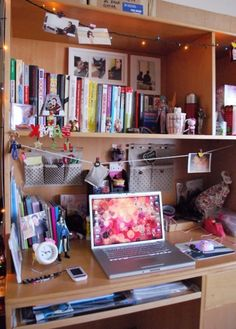 how to organize a college desk the right way i could use this idea for - Dorm Room Desk Ideas