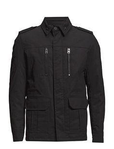 Vi har Shine Militaryjacket (Black) i lager på Boozt.com, för enbart 999.00 kr.