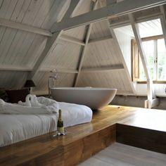 In bad naast je bed, altijd handig op een brakke ochtend!