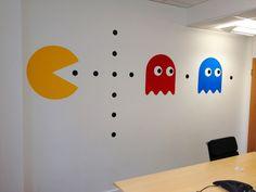 Des stickers #PACMAN géants pour égayer sa salle de réunion #Bureaux #Fun #Startup #Geek. Trouvé sur : http://www.kollori.com/decoration-de-bureau/stickers-de-bureau/autocollant-mural-retro-pac-man.html