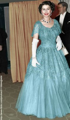 Queen Elizabeth Young and stylish Elizabeth Young, Young Queen Elizabeth, Elizabeth Taylor, Tilda Swinton, Die Queen, English Royal Family, Royal Queen, Isabel Ii, Her Majesty The Queen