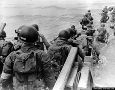 American soldiers with full equipment leap into the surf from a landing craft and wade toward Utah Beach, Les Dunes de Madaleine, June 1944 Infantry Division D Day Normandy, Normandy Beach, Normandy France, Ww2 Pictures, Ww2 Photos, Utah, 4th Infantry Division, Normandy Invasion, D Day Landings