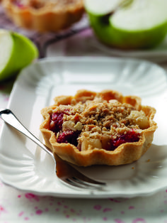 Jo Pratt's Bramley Apple, Raspberry and Almond Crumble Tarts | Bramley Apples