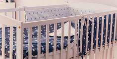 Zestaw do łóżeczka niemowlęcego w promocyjnej cenie, składający się z: - komplet pościeli, - ochraniacz.   Komplet pościeli składa się z poszewki na kołderkę i poszewki na poduszkę. Wykonany... Cribs, Bed, Etsy, Furniture, Home Decor, Cots, Decoration Home, Bassinet, Stream Bed