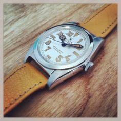 Super cool Vintage Rolex Antique Watches, Vintage Watches, Rolex Watches, Watches For Men, Suits You Sir, Mens Tailored Suits, Vintage Rolex, Beautiful Watches, Wristwatches