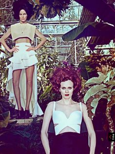 Models Carolyn Murphy & Karen Elson for Vogue US January shot by Steven Klein and styled by fashion editor Grace Coddington. Vogue Editorial, Editorial Fashion, Carolyn Murphy, Karen Elson, Vogue Fashion, Fashion Beauty, Nude Photography, Fashion Photography, Balenciaga Spring