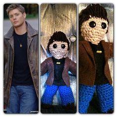 Supernatural Dean Winchester crochet doll Supernatural Crafts, Supernatural Dean, Crochet Geek, Crochet Dolls, Crochet Projects, Crochet Ideas, Geek Stuff, Dean Winchester, Knitting