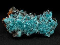 Aurichalcite encourages fearlessness and stability, helping us to recognize that the only thing to fear, is fear itself. It provides a protective shield in the area in which it is placed.