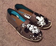 Custom Painted Shoes NonBrand by Alloutofboredom on Etsy Disney Painted Shoes, Custom Painted Shoes, Painted Canvas Shoes, Hand Painted Shoes, Custom Shoes, Painted Toms, Mickey Shoes, Disney Toms Shoes, Black Toms