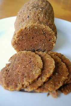 "Boiled seitan ""The bad ass of the vegan world"" by Kirsten's Kitchen Seitan Recipes, Meat Recipes, Whole Food Recipes, Vegetarian Recipes, Cooking Recipes, Aquafaba, Vegan Foods, Vegan Dishes, Vegan Meat Substitutes"