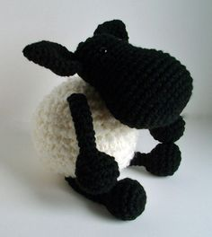 crochet sheep by Yarnbees   baaa.jpg