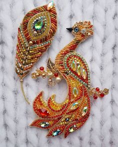VK is the largest European social network with more than 100 million active users. Tambour Embroidery, Hand Embroidery Videos, Bead Embroidery Jewelry, Beaded Jewelry Patterns, Fabric Jewelry, Beading Patterns, Silk Bangles, Beaded Animals, Beaded Brooch