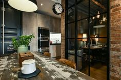 A wood-lined male loft - PLANETE DECO a homes world In modern urban living, l. A wood-lined male l Apartamento Loft Industrial, Industrial Apartment, Industrial House, Industrial Design, Design Loft, Design Studio, Apartment Layout, Apartment Design, Apartment Living