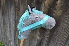 I made this horse for B when she turned 3 in September, but it's a great present so I thought I'd post it finally. When I asked her what she wanted for her birthday, she said a horse. Once upon a…