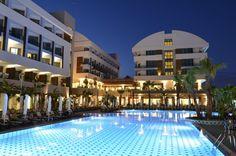 Port Side Resort Hotel - Kapasite : 208 oda / 545 yatak Herşey Dahil Konsepti Uygulanmaktadır. Bu tesis plaja 12 dakikalık yürüme mesafesinde. Sahile yalnızca 160 metre mesafedeki bu otelin özel plaj alanı, ücretsiz Wi-Fi erişimi ve açık/kapalı havuzları bulunmaktadır. Otelin klimalı …