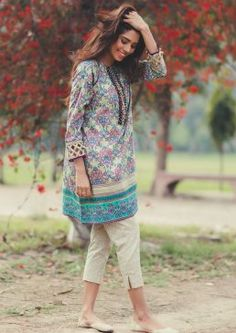 Queen Of Flowers Alkaram Summer Lawn Collection 2017 - PK Vogue Pakistani Fashion Casual, Pakistani Dresses Casual, Pakistani Dress Design, Indian Dresses, Indian Fashion, Casual Dresses, Pakistani Frocks, Casual Wear, Stylish Dresses