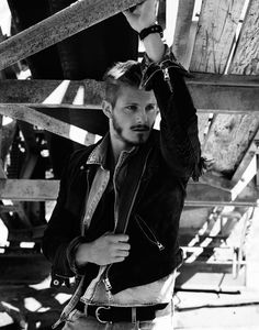 Alexander-Ludwig-2015-Flaunt-Photo-Shoot-007