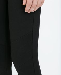 Image 5 of LEGGINGS WITH ZIPS AND TOPSTICHING AT KNEES from Zara