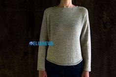 Женский пуловер реглан спицами с описанием от Лоры Лэйп