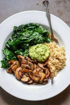 Plato gourmet (Cebada Champiñones Espinacas Pistacho Pesto)#Recetas#veganas