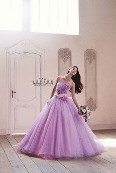 ウェディングドレス、婚礼衣装ならドレスギャラリースポーサ | 商品カテゴリー すみれコレクション