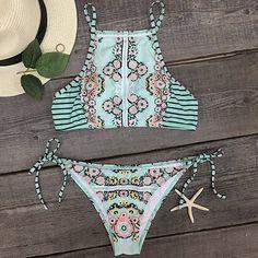 Colourful and fun bikini Cupshe Dreaming State Garden Bikini Set