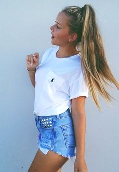 Love the white Ralph Lauren t with denim shorts, high pony tales is a good touch   GG's tiny times