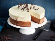 Vanilla Cake, Frosting, Cake Decorating, Bakery, Cheesecake, Cooking, Desserts, Food, Lips