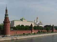 Kremlin. The giants of mountains of stones, which impressed Schiap.
