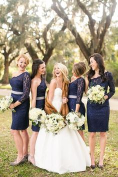 Navy blue for the bridesmaids - such a pretty color for fall