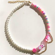 Trendy Jewelry, Cute Jewelry, Jewelry Crafts, Handmade Wire Jewelry, Beaded Jewelry Designs, Beaded Chocker, Beaded Bracelets, Necklaces, Preppy Bracelets