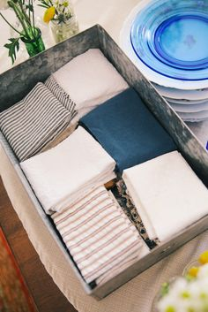 Vintage /rustic tin for mix & match napkins
