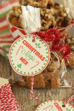 Christmas Magic Mix - All the flavors of classic Magic Cookie Bars in snack mix form is perfect for Christmas parties and giving as a gift. Best Christmas Desserts, Holiday Snacks, Homemade Christmas Gifts, Christmas Candy, Christmas Baking, All Things Christmas, Homemade Gifts, Holiday Recipes, Christmas Parties