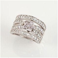 【中古】Pt900 ピンクダイヤモンド リング/新品仕上げで高品質な中古ジュエリーを格安で提供いたします。