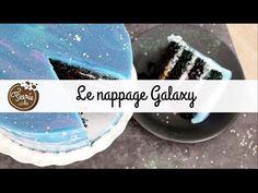 Gâteau galaxie : La tendance glaçage miroir - Féerie Cake