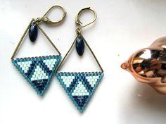 Boucles d'oreilles perles Miyuki Bleues : Boucles d'oreille par chatricotte