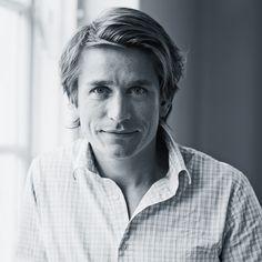 Adam Aamann-Christensen slog dørene op til sin restaurant Aamanns i 2006, og han er blevet rost til skyerne af anmeldere fra både ind- og udland. I 2007 modtog han ´Det Danske Gastronomiske Akademis Æresdiplom´ for sin fremragende indsats for at gøre smørrebrødet til et gastronomisk håndværk. Samme år vandt han prisen for ´Bedste Smørrebrød´ ved den årlige konkurrence i forbindelse med ´Gastronomiske Dage´ i Tivoli. I 2008 blev Aamanns kåret som ´Årets Frokostrestaurant'.