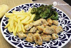 Date un pequeño homenaje, a la gallega. Raxo con patatas y pimientos de Padrón http://www.recetasderechupete.com/raxo-o-lomo-de-cerdo-a-la-gallega-con-patatas-o-cachelos/6219/ ¿Lo has probado?¿Te animas a hacerlo?