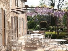 Love alfresco dining This beautiful patio in Provence belongs to Vicki Archer of French Essence