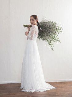 Wedding Photo Images, Wedding Shoot, Wedding Dresses, Bouquets, Long Sleeve Wedding, Casual Wedding, Bridal Style, Wedding Styles, Wedding Hairstyles