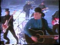 Garth Brooks The thunder Rolls via DailyMotion Garth Brooks Songs, My Best Friend, Best Friends, The Power Of Music, Film Music Books, Feeling Happy, My Favorite Music, Good People, Thunder