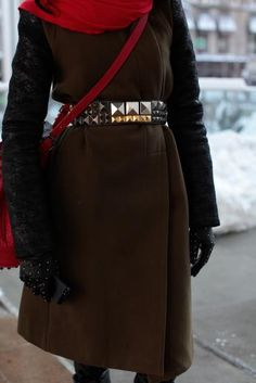 Does anyone know who makes this belt???
