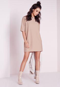 Missguided - Robe droite texturée couleur taupe à manches courtes