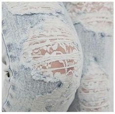Lace under ripped jeans. I just love lace. (gc girls, this is how we should wear our destroyed jeans) Holey Jeans, Ripped Jeans, Destroyed Jeans, Patched Jeans, Punk Jeans, Skinny Jeans, Diy Denim, Diy Jeans, Lace Tights