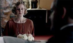 Edith becomes useful on Downton Abbey Season 3 Episode 4