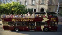 Disfruta de las vistas de Budapest desde un autobús turístico. Puedes subir y bajar en 27 paradas durante 24 o 48 horas para visitar los lugares emblemáticos de la ciudad. Aprovecha el crucero por el río, el paseo nocturno y el paseo a pie gratuitos.